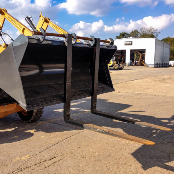 Bucket Forklift Forks Action 600x600 - Bucket Forks